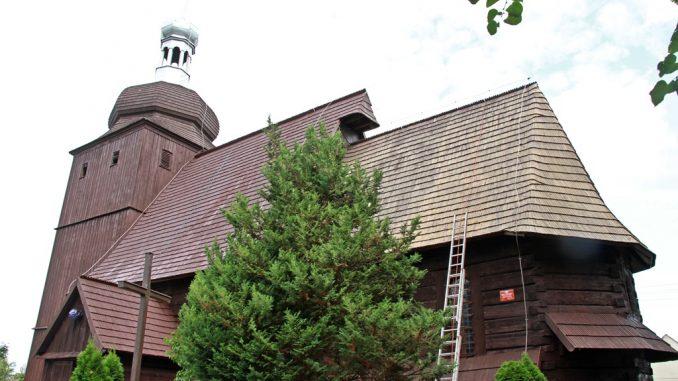 Drewniany kościół w Michalicach